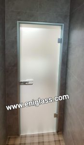 Дормакаба и услуги-аксесоари за врати, горни и подови автомати, системи за стъклени фасади и цялата гама обков за стъкло.