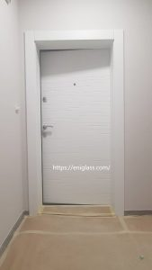 Входна блиндирана врата Украинска модел 132 бяла