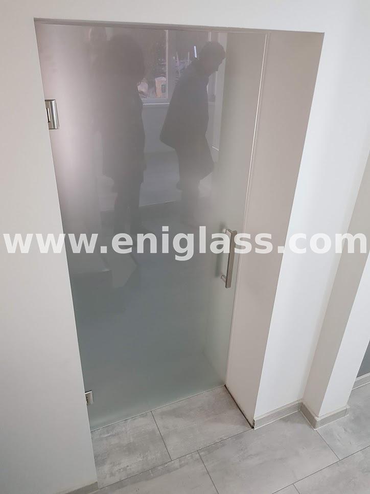 Закалена стъклена врата 10