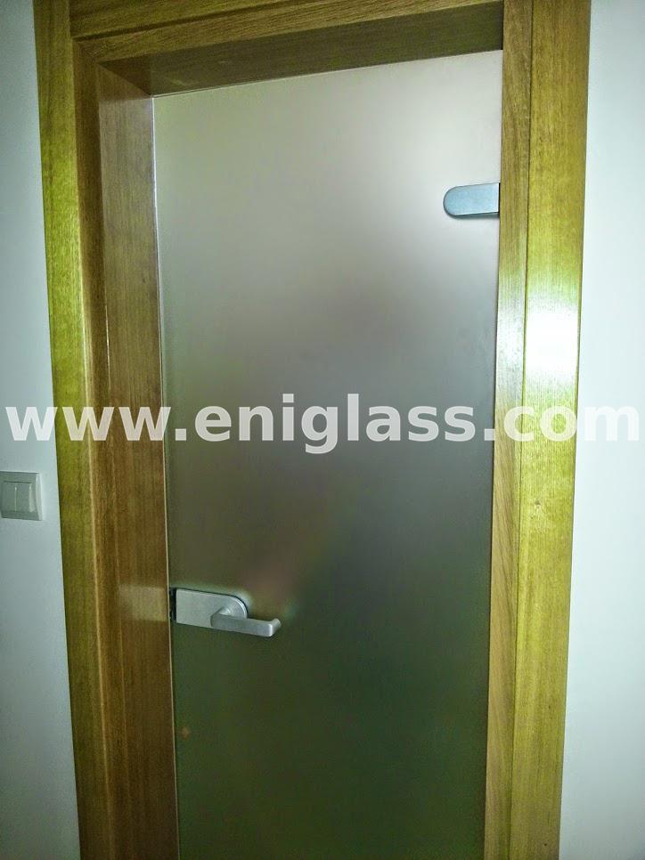 Закалена стъклена врата 16