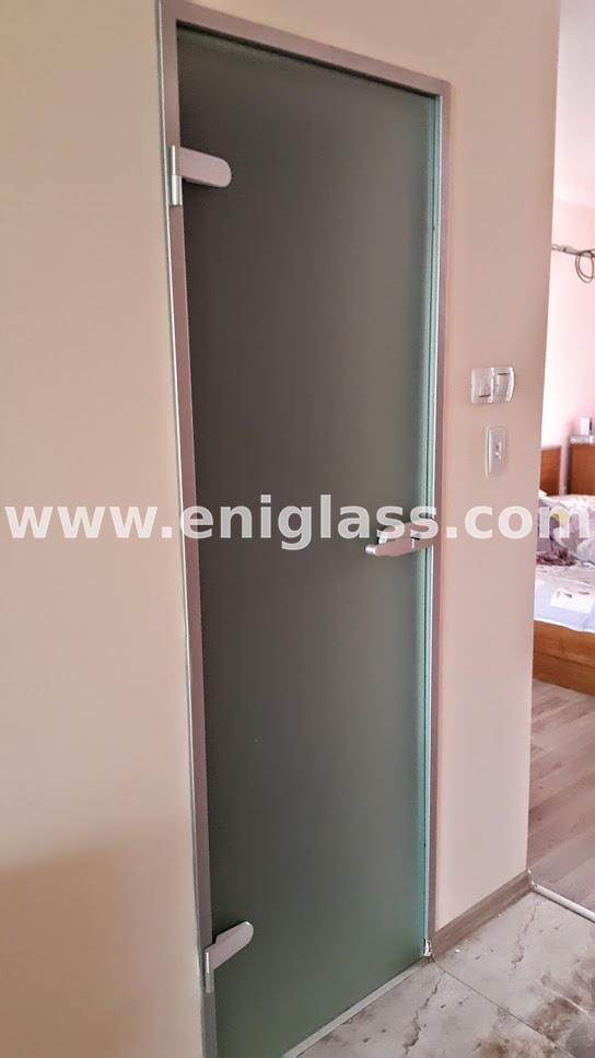 Закалена стъклена врата 23