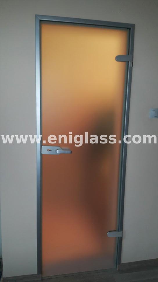 Закалена стъклена врата 25