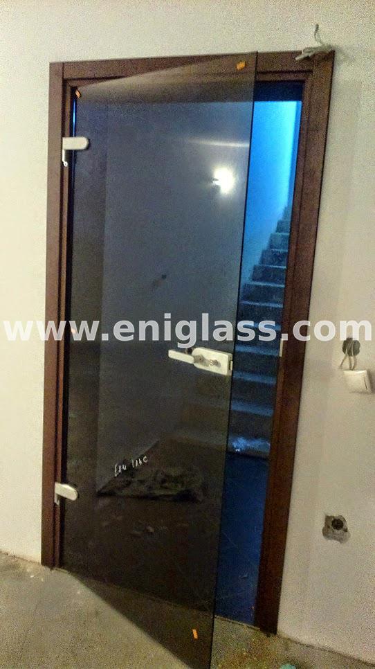 Закалена стъклена врата 3