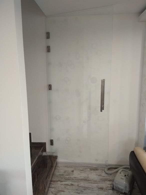 Закалена стъклена врата 6