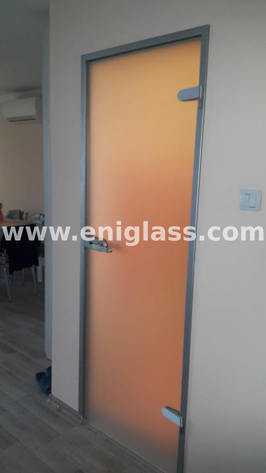 Закалена стъклена врата 7