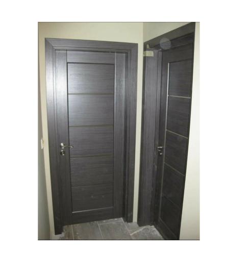 интериора врата сива