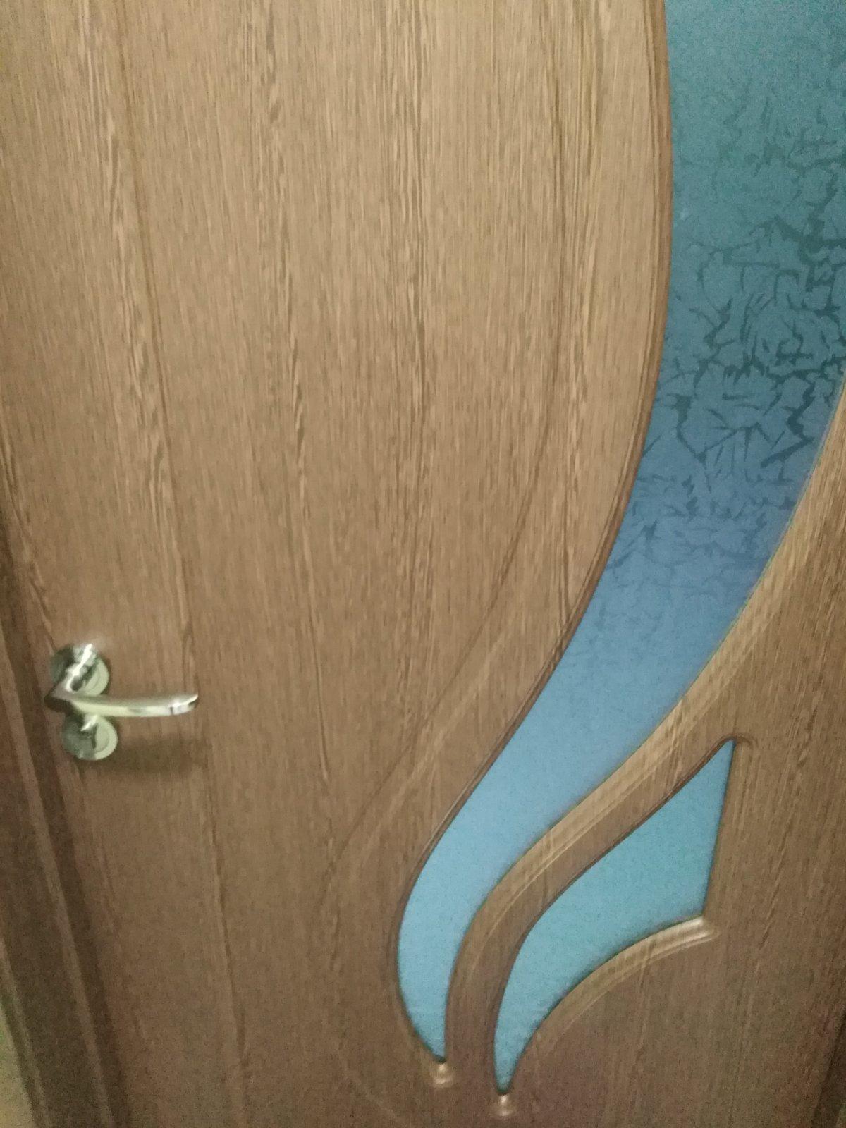 интериорна плътна врата