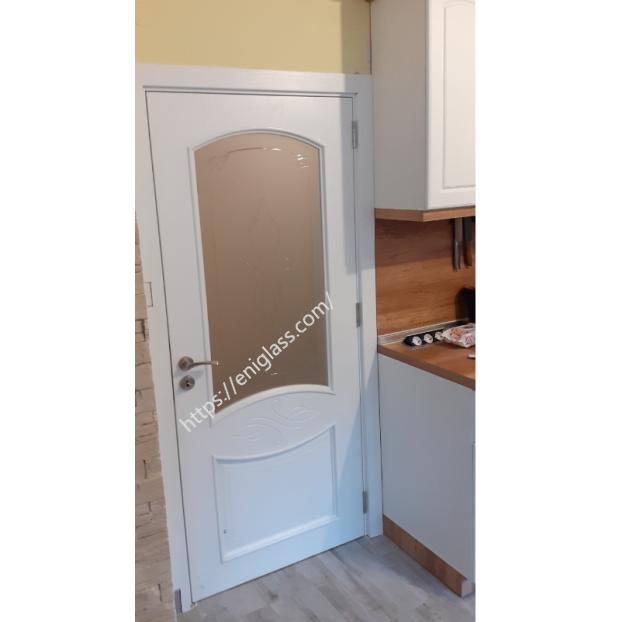 Интериорна врата Дона бяла със стъкло мат шарка прозрачна
