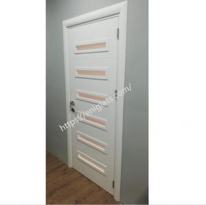 Интериорна врата Турска плътен HDF бял гланц остъклена