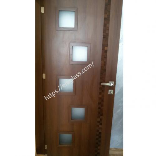 Интериорна врата Турска плътен HDF квадрати стъкла