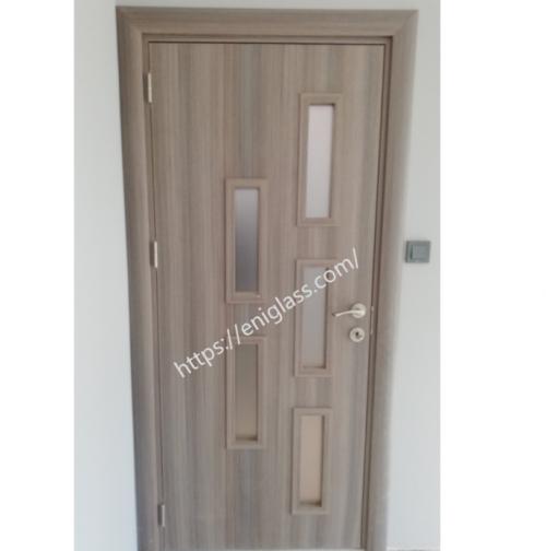 Интериорна врата Турска плътен HDF остъклена 1