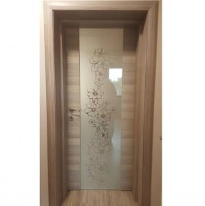 Интериорна врата Турска плътен HDF шарка матитана закалено стъкло по каталог