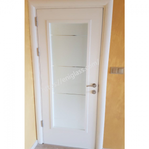 Интериорна врата Турска плътен HDF 8мм химичен мат закалено стъкло