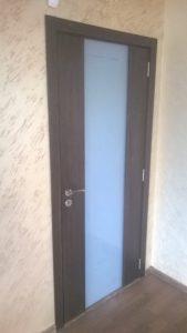 Интериорна врата с цяло стъкло