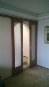 Интериорна остъклена врата с плъзгане