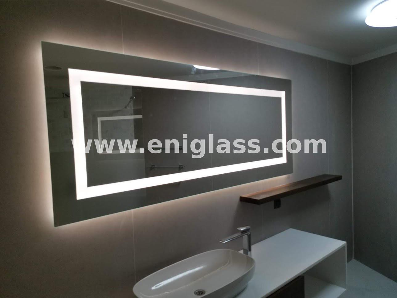 Огледало правоъгълно с LED осветление и нагревател