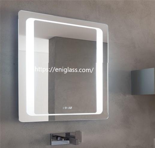 LED огледала с вградено осветление по краищата. Хай тек функции с Touch screen , вградени час и температура, както и anti fog система против потене.